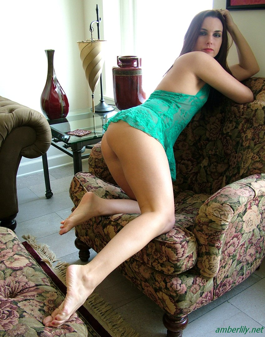http://www.amberlily.net/fhg/LaceGreenBabydoll/images/03.jpg